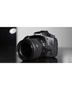 """Camera foto Canon EOS 90D + obiectiv Canon EFS 18-55mm f3.5-5.6 IS STM, Senzor APS-C CMOS de 32.5 megapixel, Ecran tactil TFT Clear View II, cu unghi variabil de 7.7 cm (3.0"""") 3:2, aprox. 1.040 mii puncte, Procesor DIGIC 8"""